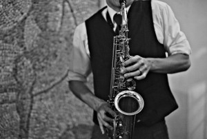 saxophone-playing-groom
